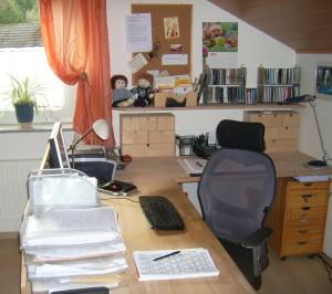 Arbeitsplatz Petra Schier aufgeräumt