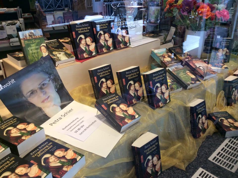Bücherschaufenster Buchhandlung Kayser